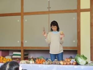 収穫感謝礼拝、クッキング、会食をしました