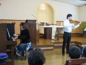 バイオリンコンサートがありました