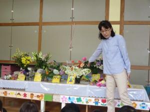 花の日の礼拝と駅東整形外科さんへ慰問に行きました。