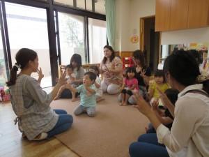 2歳児ぴんく組さんの保育参観。