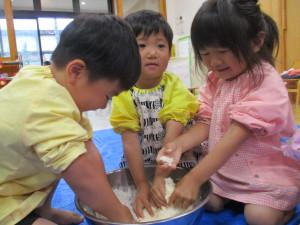 小麦粉粘土で遊びました!